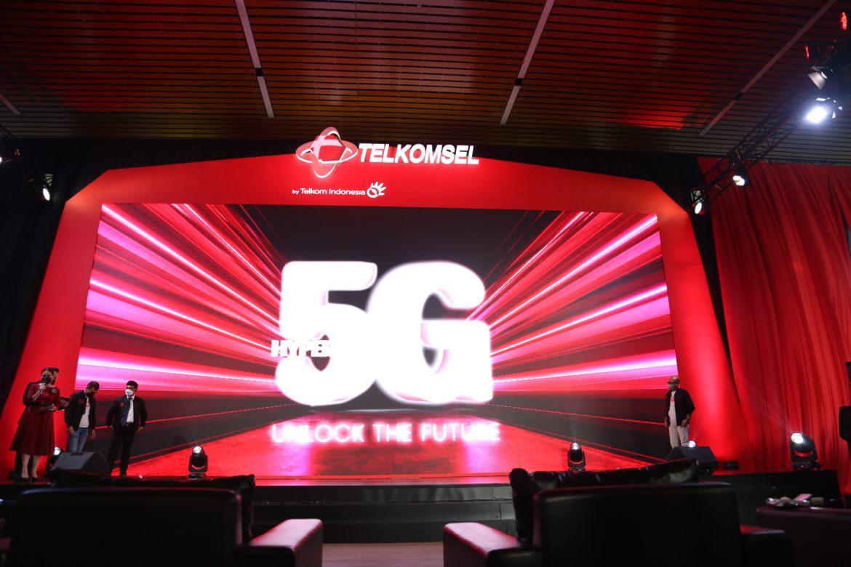 Layanan 5G Pertama